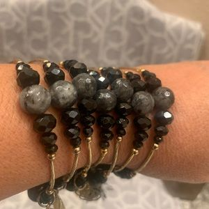 7 piece crystal and agate bracelet w/charms
